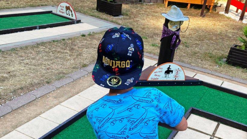 Minigolf-Turnier für Kinder des SOS-Kinderdorfes Gera